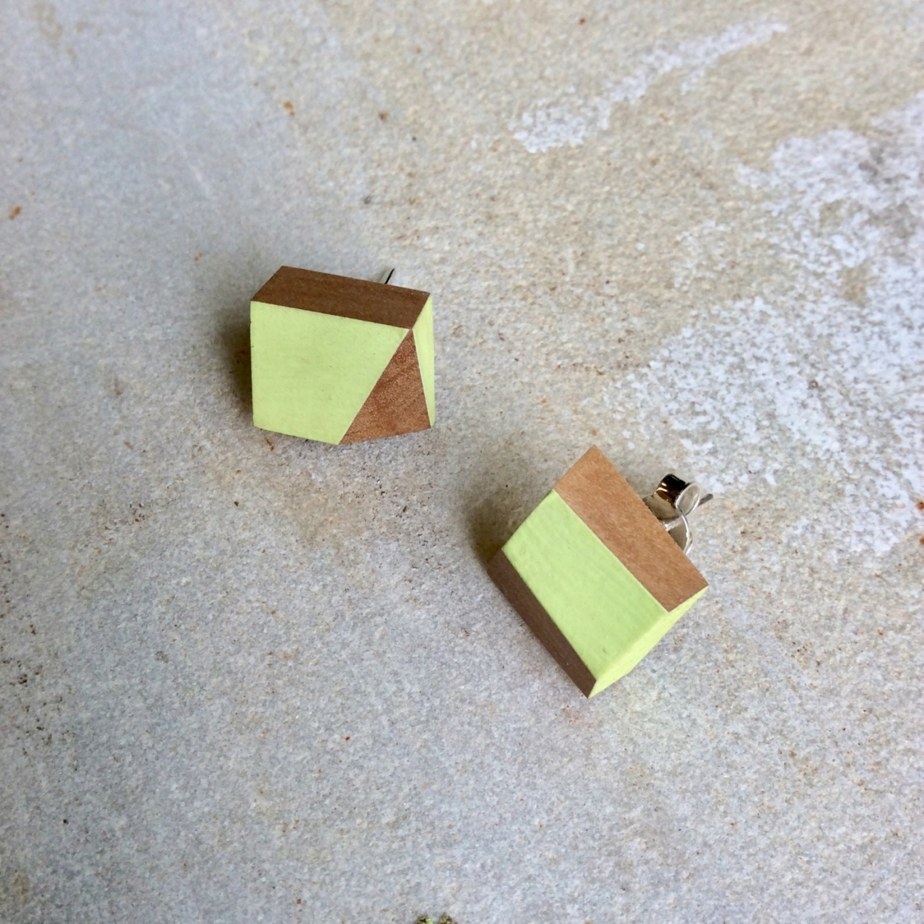 Wood&Cut olive studs Jane Harman storage and furniture restoration in Florence