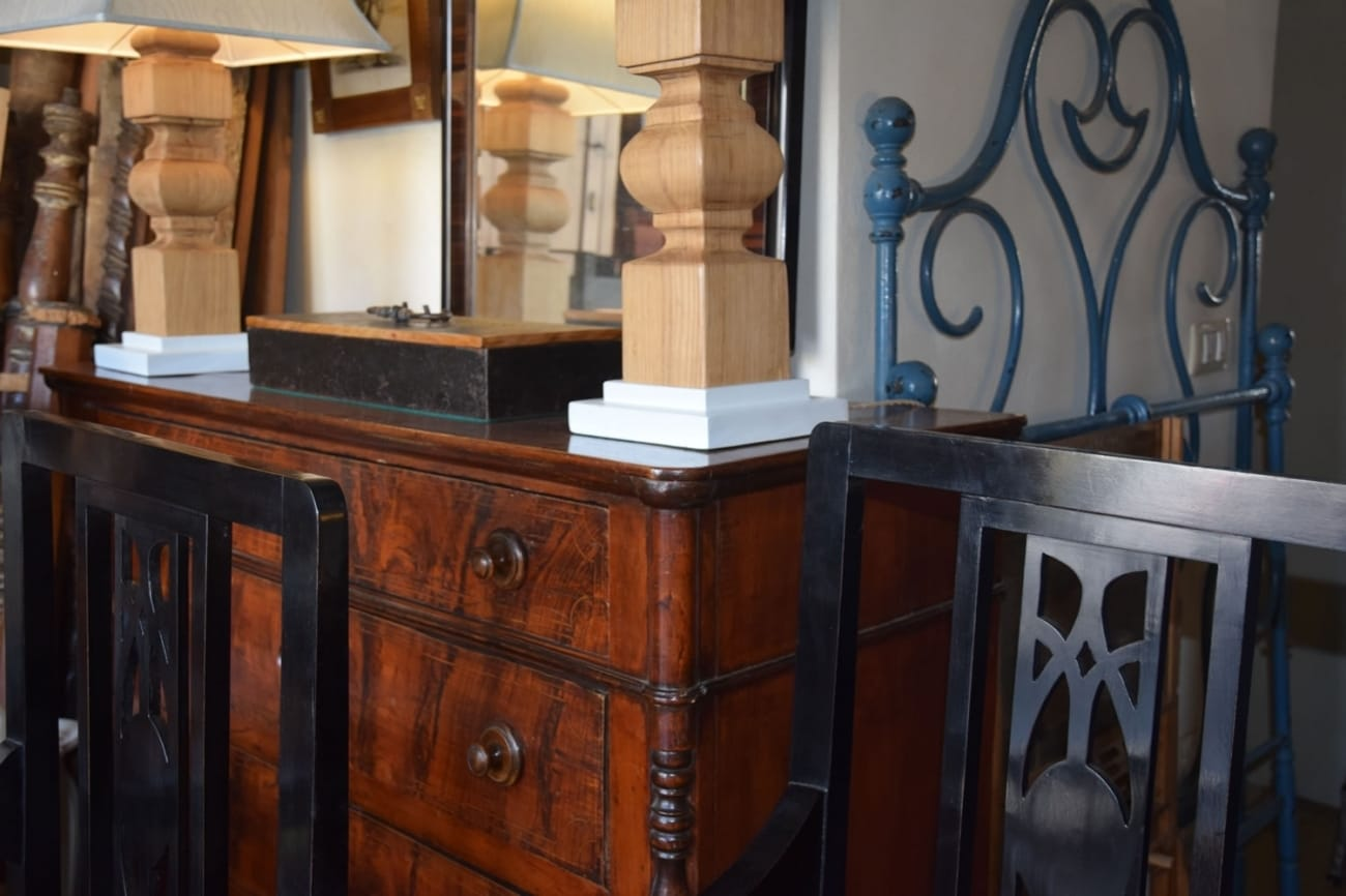 Pair of lamps Jane Harman storage and furniture restoration in Florence