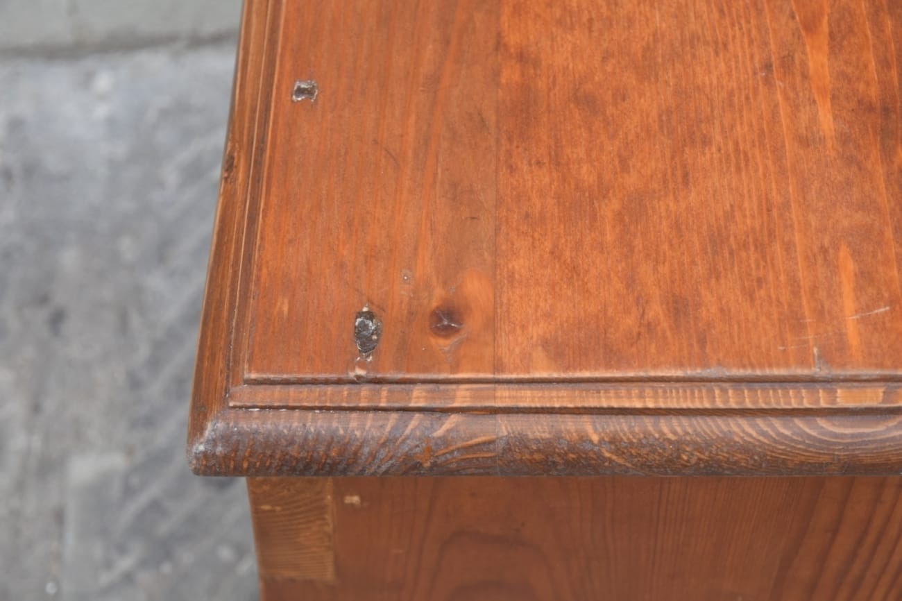 Stool Jane Harman storage and furniture restoration in Florence